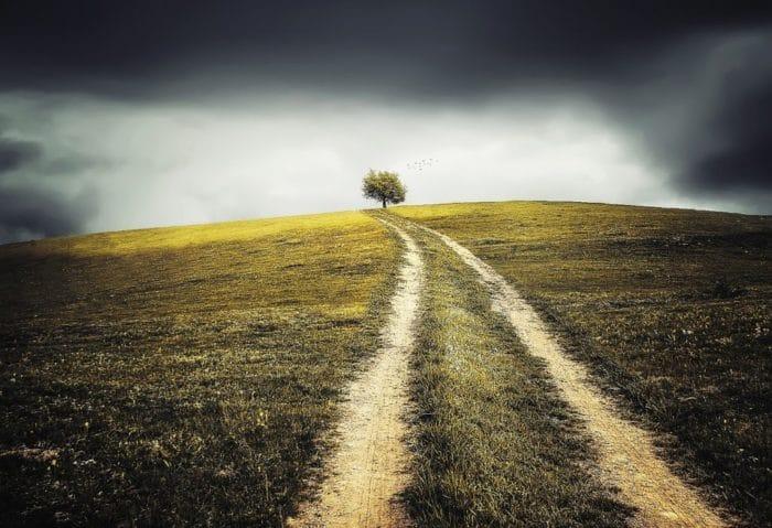 abstract 740257 1280 1024x701 700x479 - Gibt es einen Weg zurück zu Gott?
